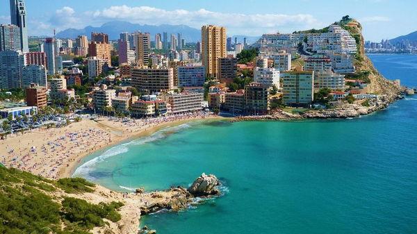 Чем привлекательна Испания?