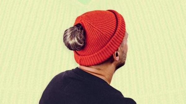Чтобы шапка не портила прическу