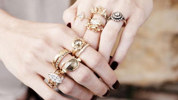 Корректируем женскую судьбу: на какой палец надо надевать кольцо