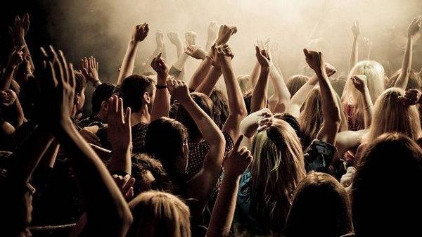 Фанаты – кто они? Психологическая природа фанатизма