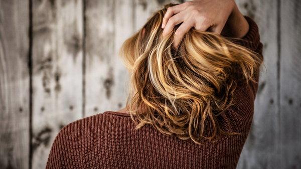 Домашняя маска от выпадения волос с касторовым маслом