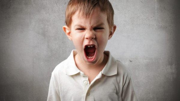 Нехватка любви и 7 опасных детских установок