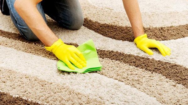 Доступные способы чистки ковра