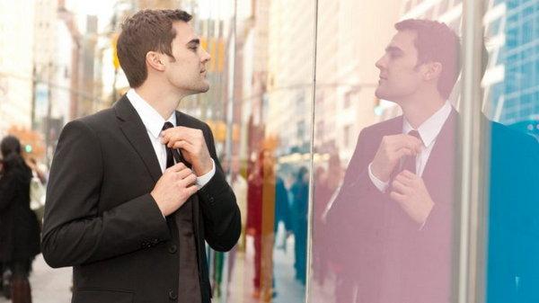 8 признаков нарциссизма, которые люди склонны игнорировать на ранней стадии