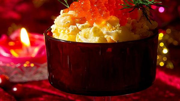 Салат из картофеля с икрой как готовить