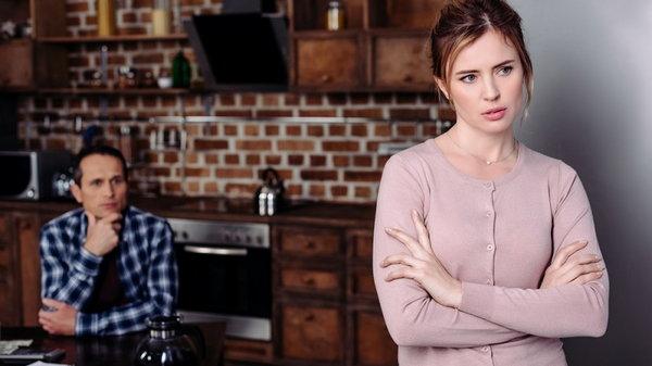 Почему некоторые женщины испытывают чувство одиночества в браке