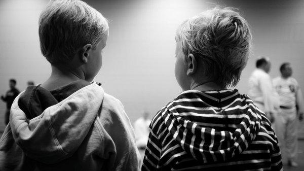 7 опасных признаков психологических отклонений у ребенка
