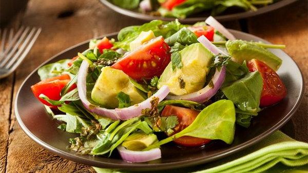 Учимся правильно экспериментировать с салатной заправкой