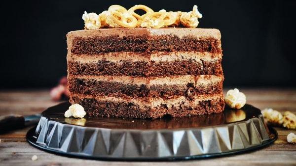 Торт Прага с тремя видами крема