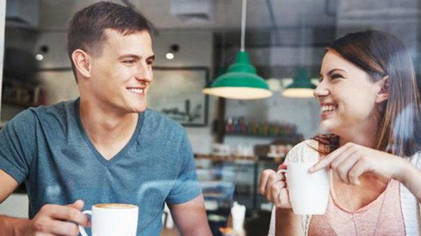 На что обращает внимание мужчина во время первого свидания?