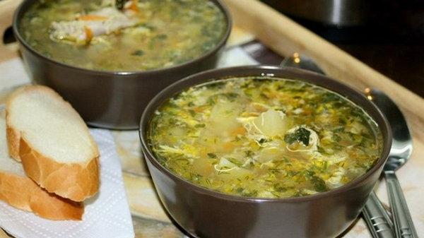 Полевой суп с яйцом