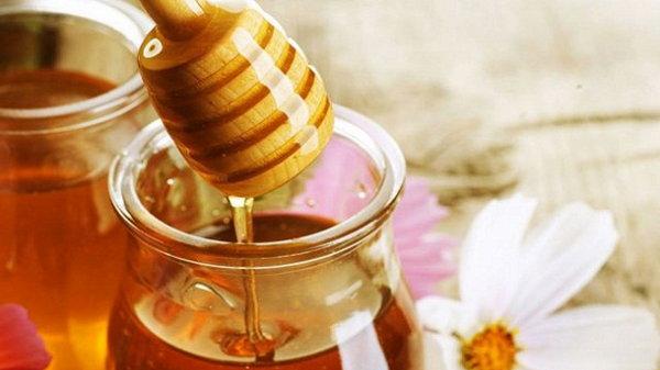 Чем полезны медовые маски?