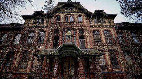 Заброшенный госпиталь Белиц-Хайльштеттен, в котором лечился Гитлер