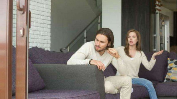 8 признаков того, что мужчина к вам охладел
