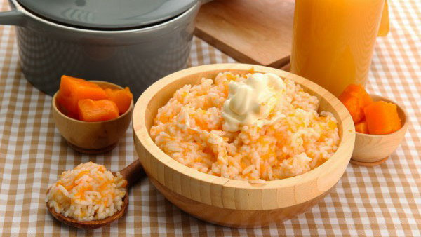 Тыквенная каша с рисом и яблоками: простой рецепт на молоке