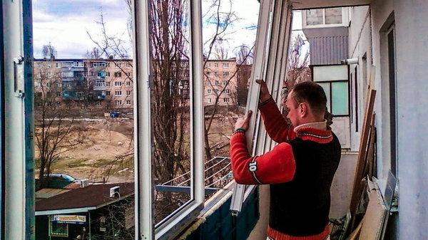 Почему люди массово снимают пластиковые окна
