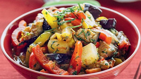 Аджапсандали: рецепт с баклажанами и картофелем