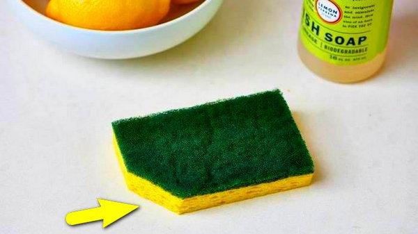 Зачем обрезать уголок у посудной губки
