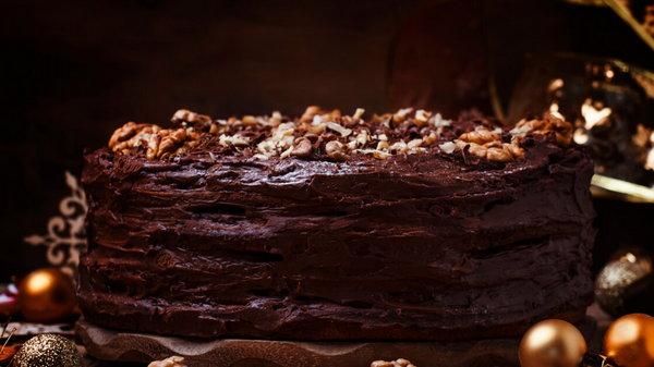 Как приготовить сметанник: рецепт торта со сгущенкой и шоколадным кремом