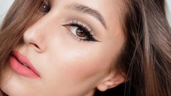10 ошибок в макияже, которые добавляют женщине лишних лет
