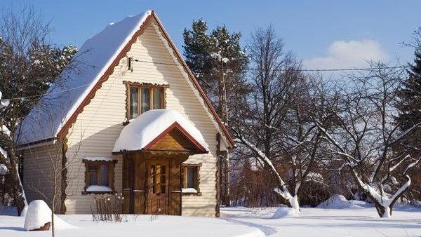 Как подготовить дачный домик к зиме