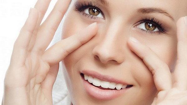 4 выражения лица, из-за которых у женщин появляются морщины