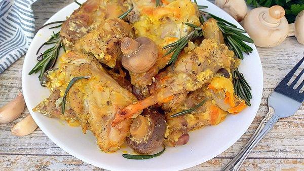 Кролик в сливочно-грибном соусе: рецепт дня