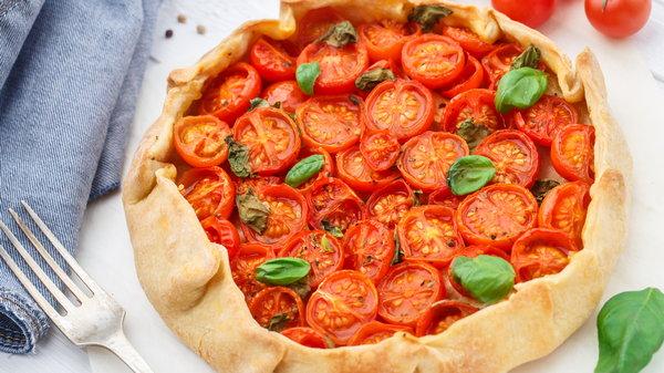 Как испечь галету с помидорами, базиликом и моцареллой