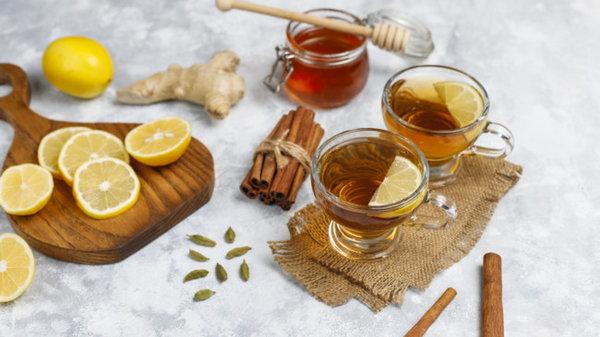 Как приготовить согревающий сбитень с медом