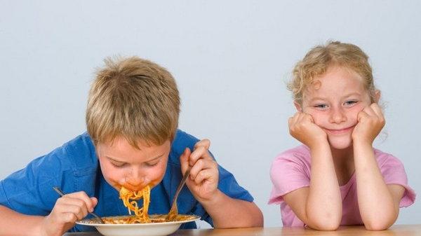 Этикет для детей: благодарить, не чавкать, быть вежливым