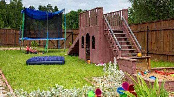 Обустройство уютного места в саду для детей