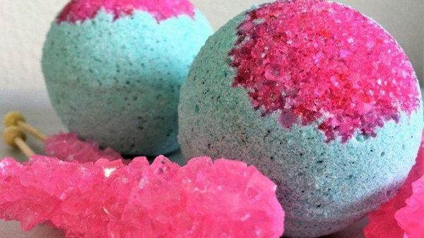 Ароматные бомбочки для ванны: вещь, которая принесет тебе массу удовольствия
