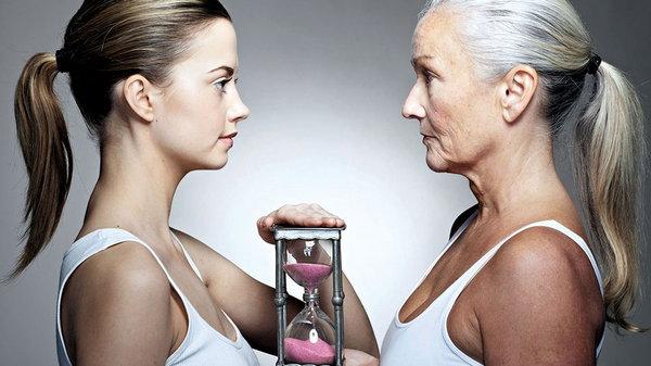 Психологи выяснили, какие факторы жизни помогают долголетию