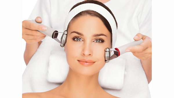 Как правильно подобрать лечебную косметику для лица с чувствительной кожей?