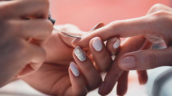 Шеллак для ногтей: плюсы и минусы, как делается шеллак