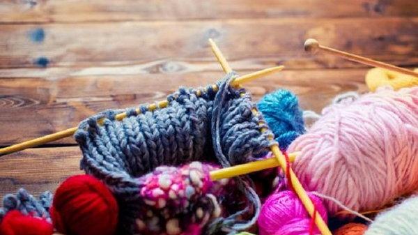 Вязание помогает справиться с депрессией, облегчает хронические боли и замедляет процесс деменции