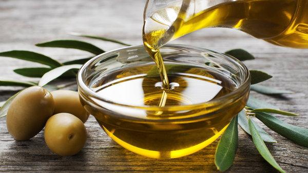 Оливковое масло для лица — шаг к молодости