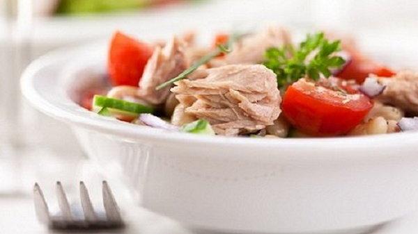 Когда ломаешь голову, что приготовить: 6 мини-салатов на любой вкус
