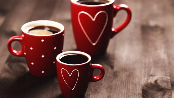 Она выпивала три чашки кофе в день