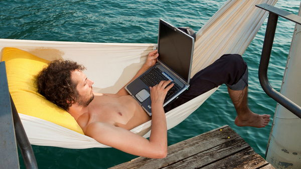 Работа – новые возможности или нескончаемая скука?