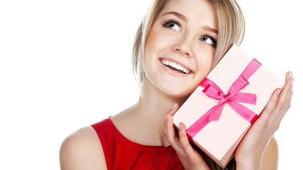 Какого подарка ждут женщины?