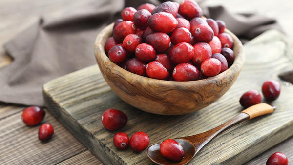 Клюква: полезные свойства ягоды