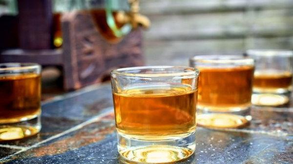Чем нельзя закусывать крепкий алкоголь
