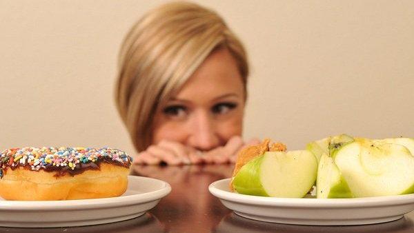 10 ужасных привычек, которые могут испортить твой внешний вид