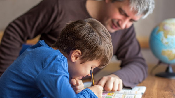 Как помогать ребенку делать домашнее задание