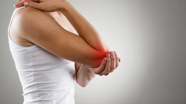 Эта женщина не могла встать из постели из-за сильной боли в ее суставах, пока она не начала принимать это!