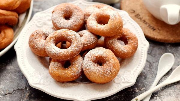 Рецепт быстрых испанских пончиков к чаю