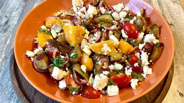 Рецепт салата из баклажанов с луком
