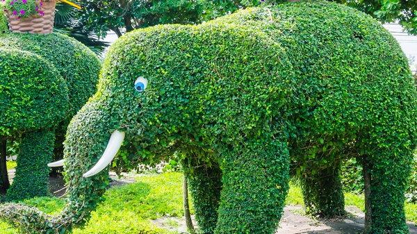 Подборка лучших садовых скульптур