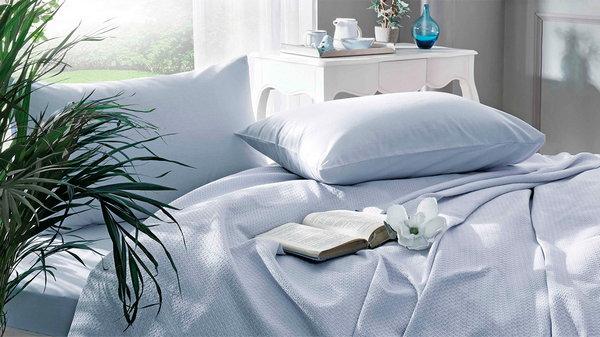 Зачем разрезать новое постельное белье
